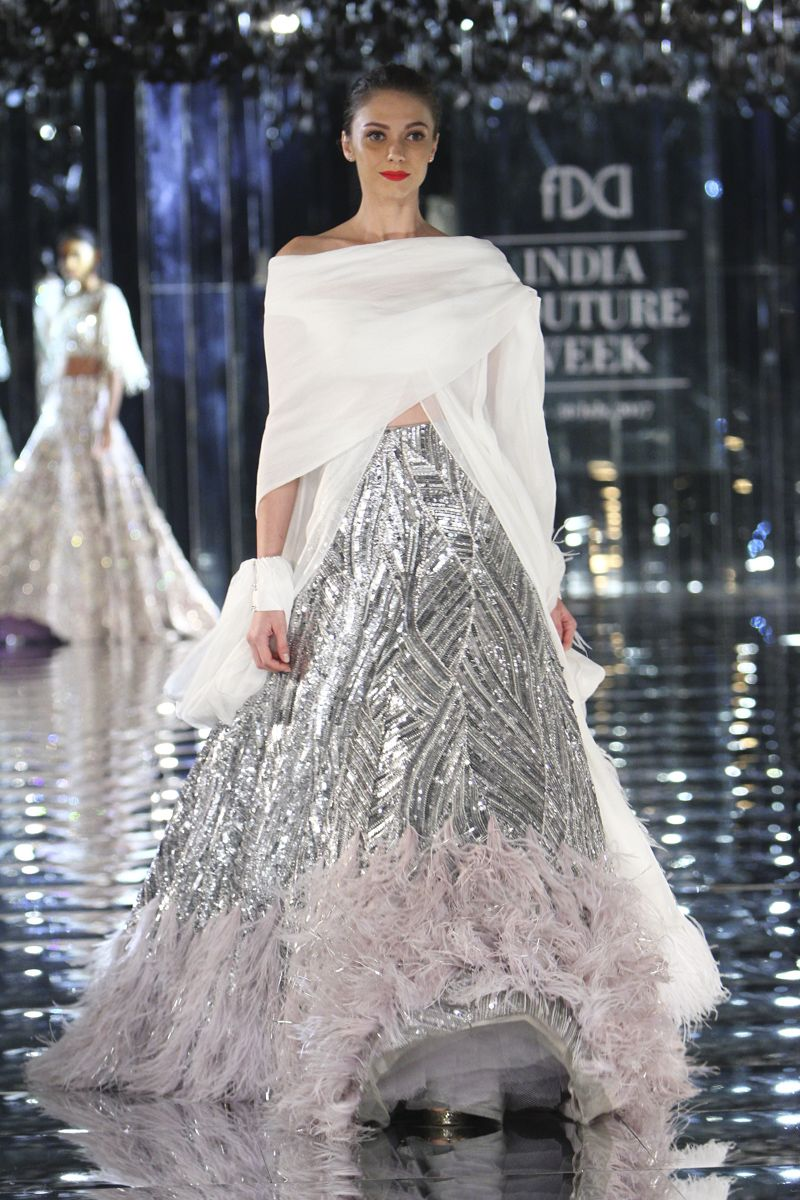 1643dc2c2a7 Complete collection  Manish Malhotra at India Couture Week 2017 ...