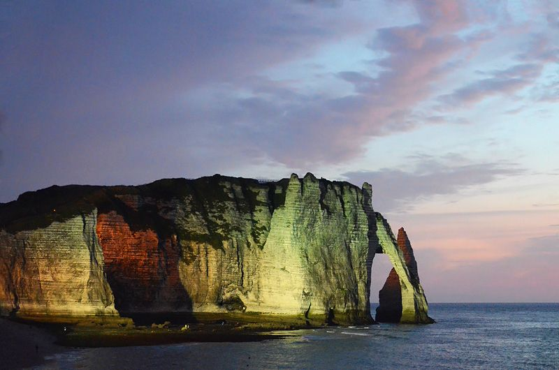 There S An 80 Mile Stretch Of Sheer Cliffs Between Dieppe And