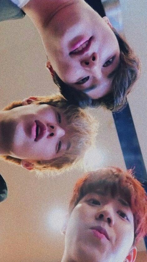 when you accidentally open the front camera, but you are day6
