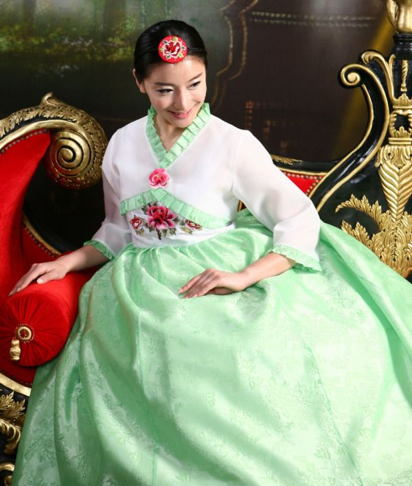 Hanbok Korean Traditional Clothes With Images Traditional Outfits