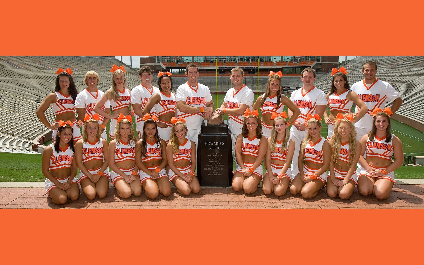 Clemson Coed Cheerleaders College Cheer College Cheerleading Clemson