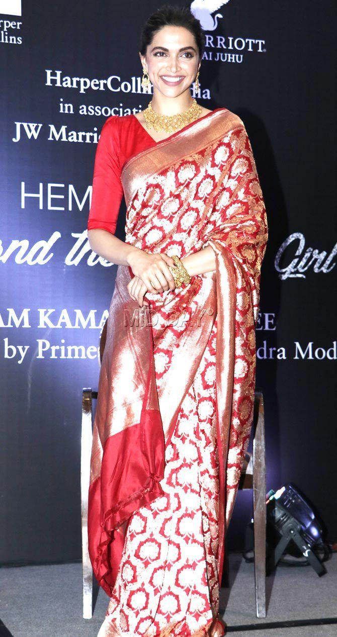 Photos Deepika Padukone Esha Deol At Hema Malini S Book Launch Middaybollywood Bollywoodactors Deepika Padukone Saree Silk Saree Blouse Designs Saree Look