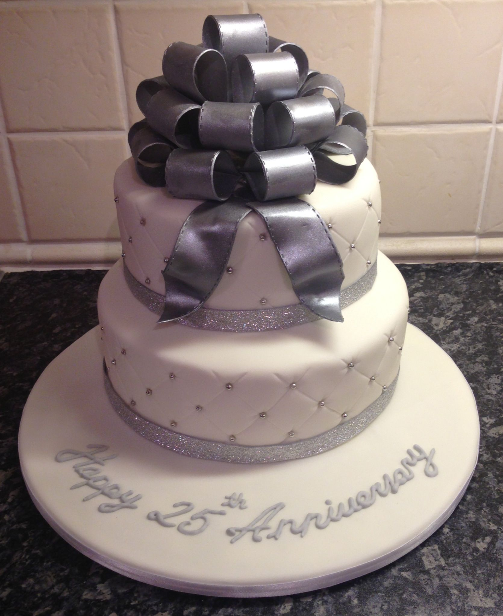 The 25 Best Wedding Cakes: Silver Wedding Anniversary Cake