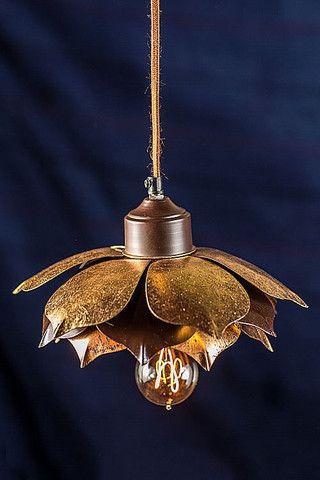 e7771a5ad54074 Vagabond Vintage Gold Leafed Lotus Pendant Lamp