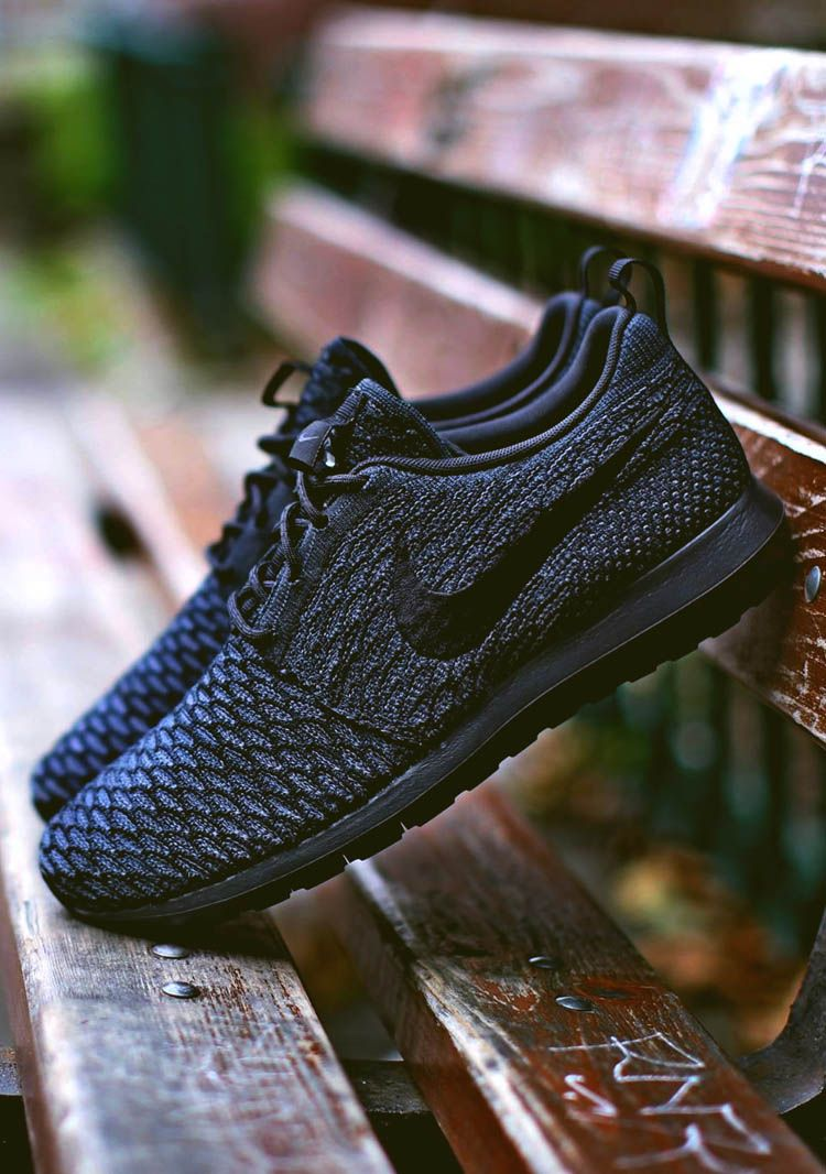 online store 07779 40c20 Nike Flyknit Roshe Run NM  Black on Black