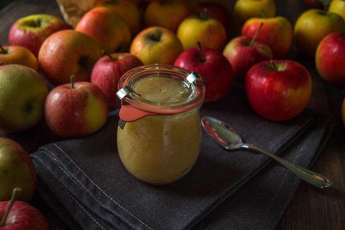 Klassisches Apfelkompott im Weckglas | © voll veggie!