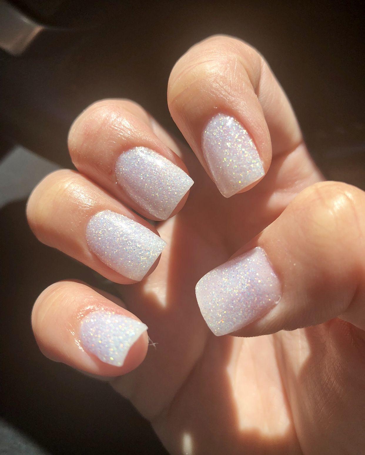 Sns Sparkle Nails Short And Square White Sparkle Nails White Glitter Nails Acrylic Nails Coffin Short