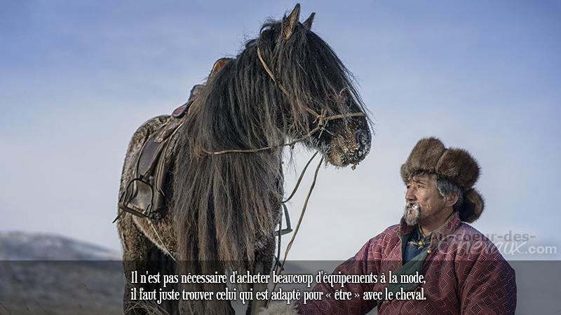 Il n'est pas nécessaire d'acheter beaucoup d'équipements à la mode, il faut juste trouver celui qui est adapté pour « être » avec le cheval.