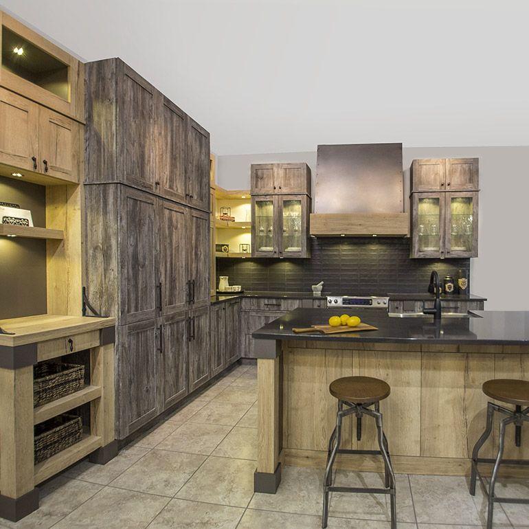 Cuisine au style rustique avec armoires en m lamine - Meuble de cuisine rustique ...