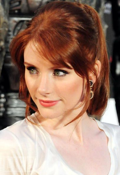 I Love This Hairstyle With The Bangs And Longer Clippings On The Sides Dallas Howard Bryce Dallas Howard Redheads