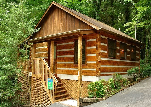 GATLINBURG Cabin Rental - LINGER LONGER #1607 - 1 Bedroom