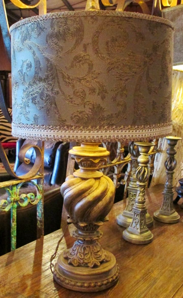 Lamp with trimmed shade | Home furnishings, Chic decor