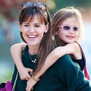 Jennifer Garner values close family ties. Love it.
