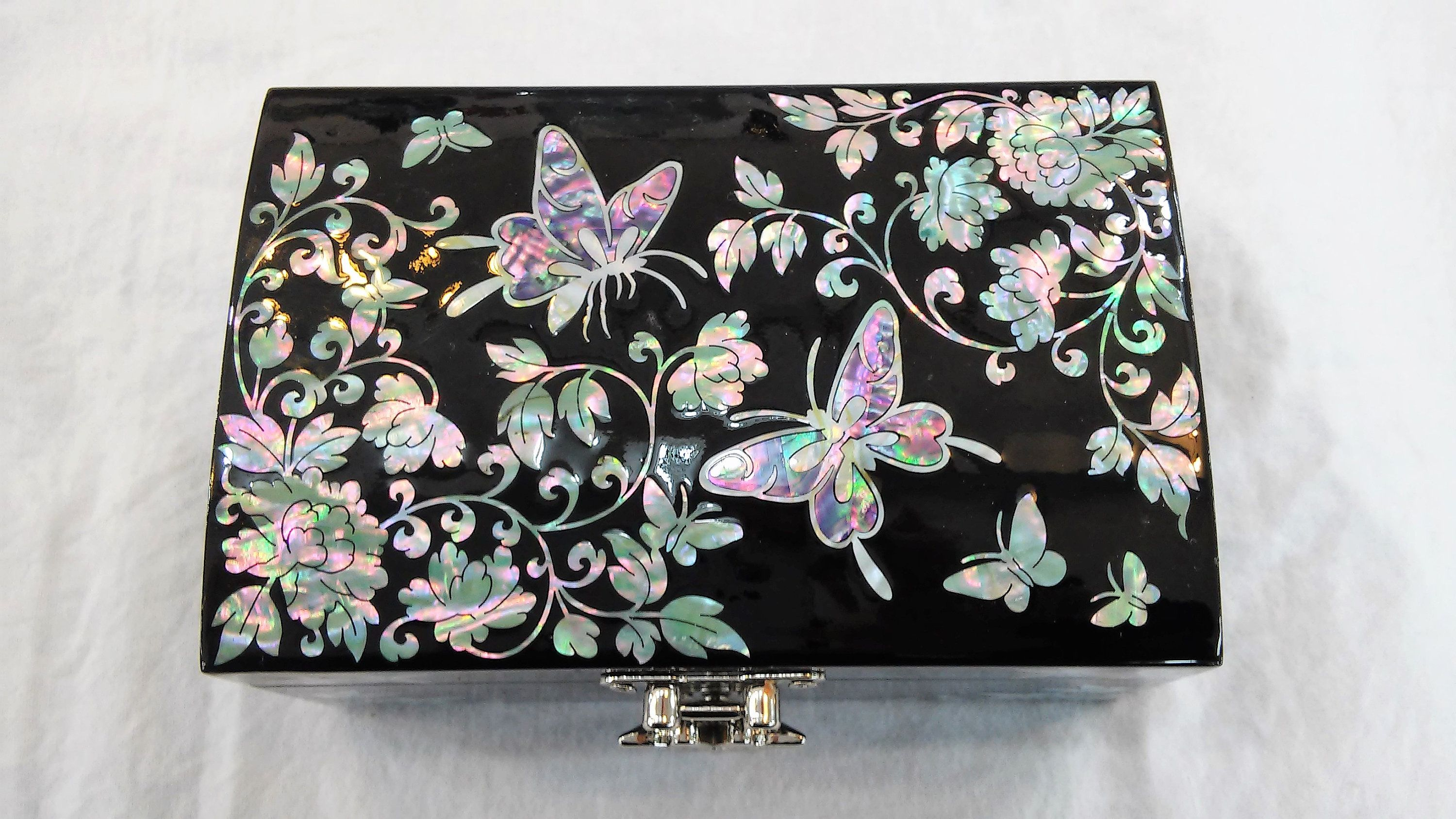 Lacquerware inlaid handcrefted Business card holder case butterfly Design