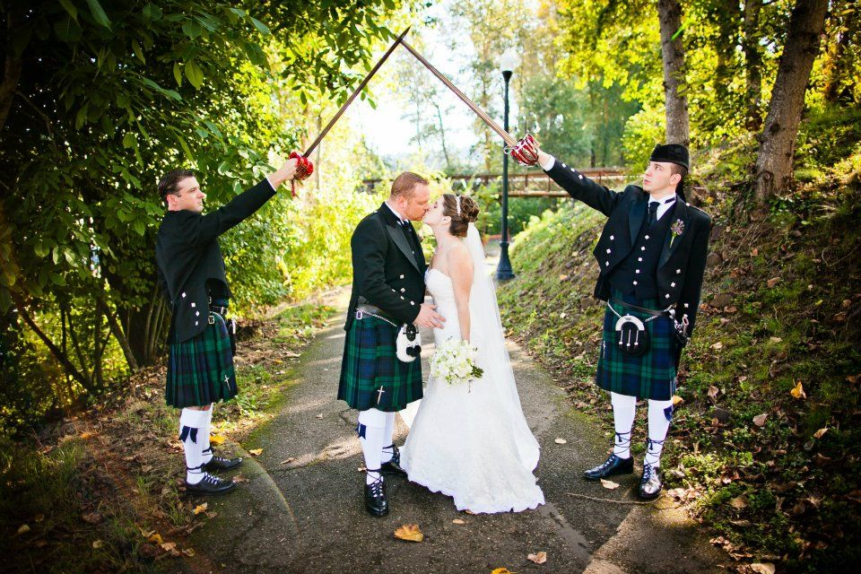 Scottish kilts and a movie-worthy kiss in a wooded, natural venue on the riverfront.