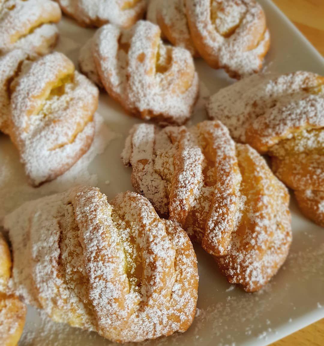 Elmalı Bademli Çörek Tarifi