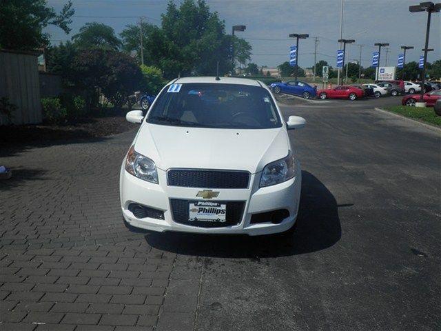 2011 Chevrolet Aveo White 10706056 Http Www Phillipschevy Com 2011 Chevrolet Aveo Chicago Il Vd 10706056 Chevrolet Aveo Chevrolet Car