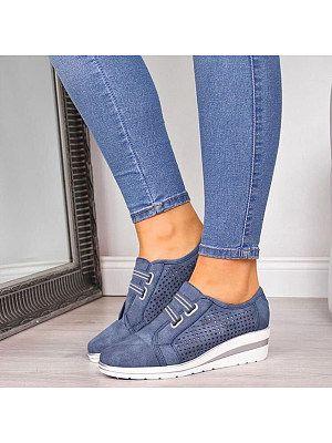Get the Deal: Women's ECCO Soft 7 Leisure Sneaker Wild