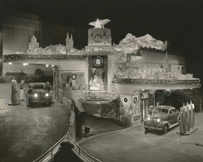 great photo of a gas station in the 1940s ready for christmas - Are Gas Stations Open On Christmas