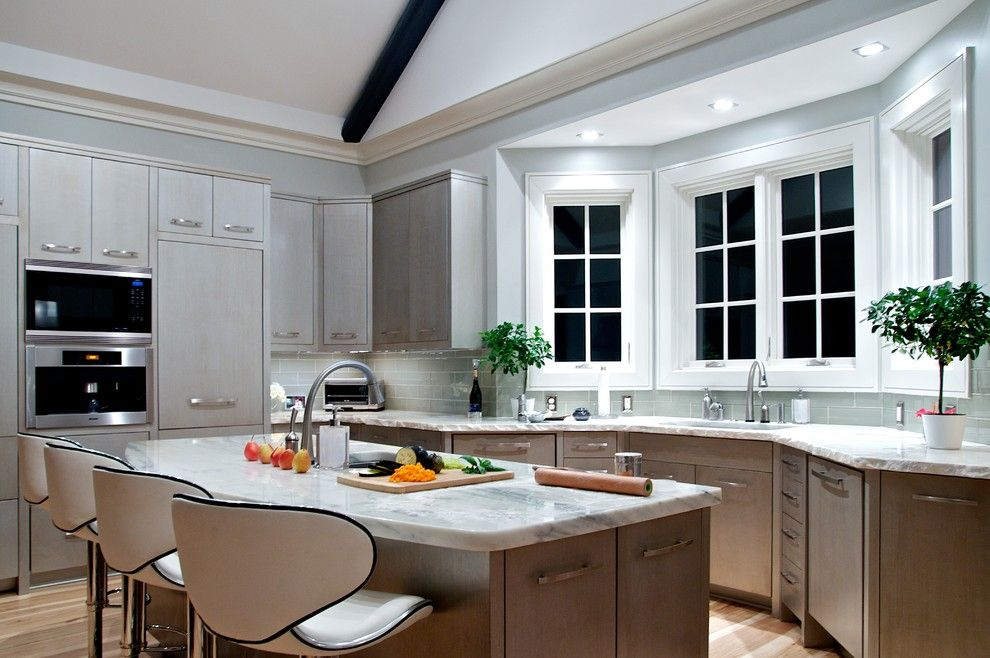 Kitchen Bay Windows Transitional With Window Counter Stools