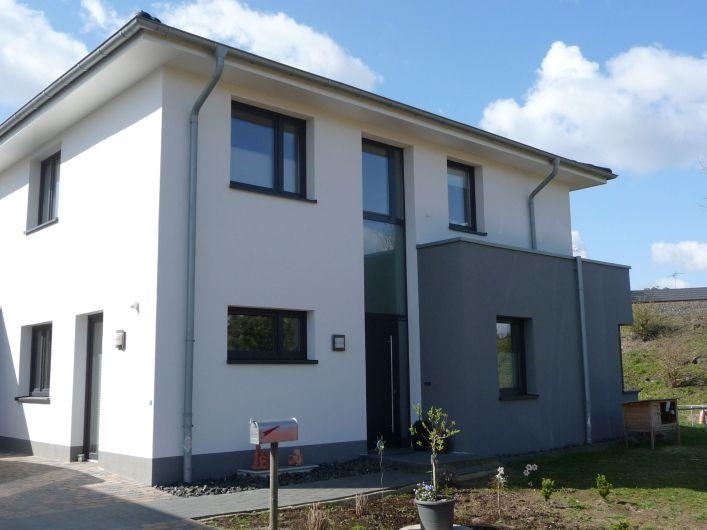 Fassadengestaltung modern  fassadengestaltung modern - Google-Suche | Hausfassade und Eingang ...