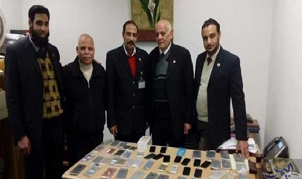 جمارك مطار برج العرب تضبط محاولة تهريب كمية من الهواتف المحمولة Chess Board