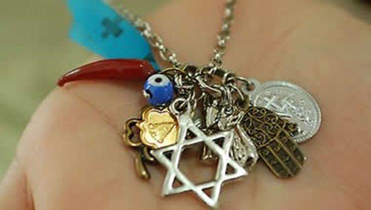Os Amuletos De Cada Signo Amuletos Amuletos De Protecao E