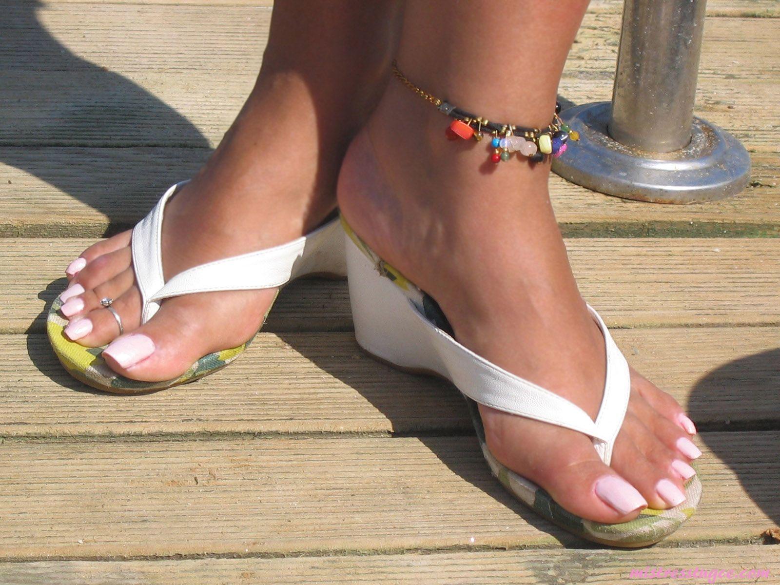 Sorry, that Black women feet in flip flops toenails that