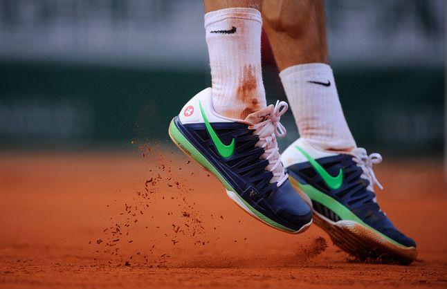 The deft footwork of Roger Federer.
