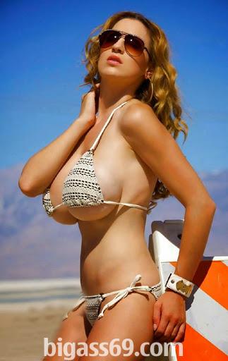 Hayek cum covered bikini bottoms fuck