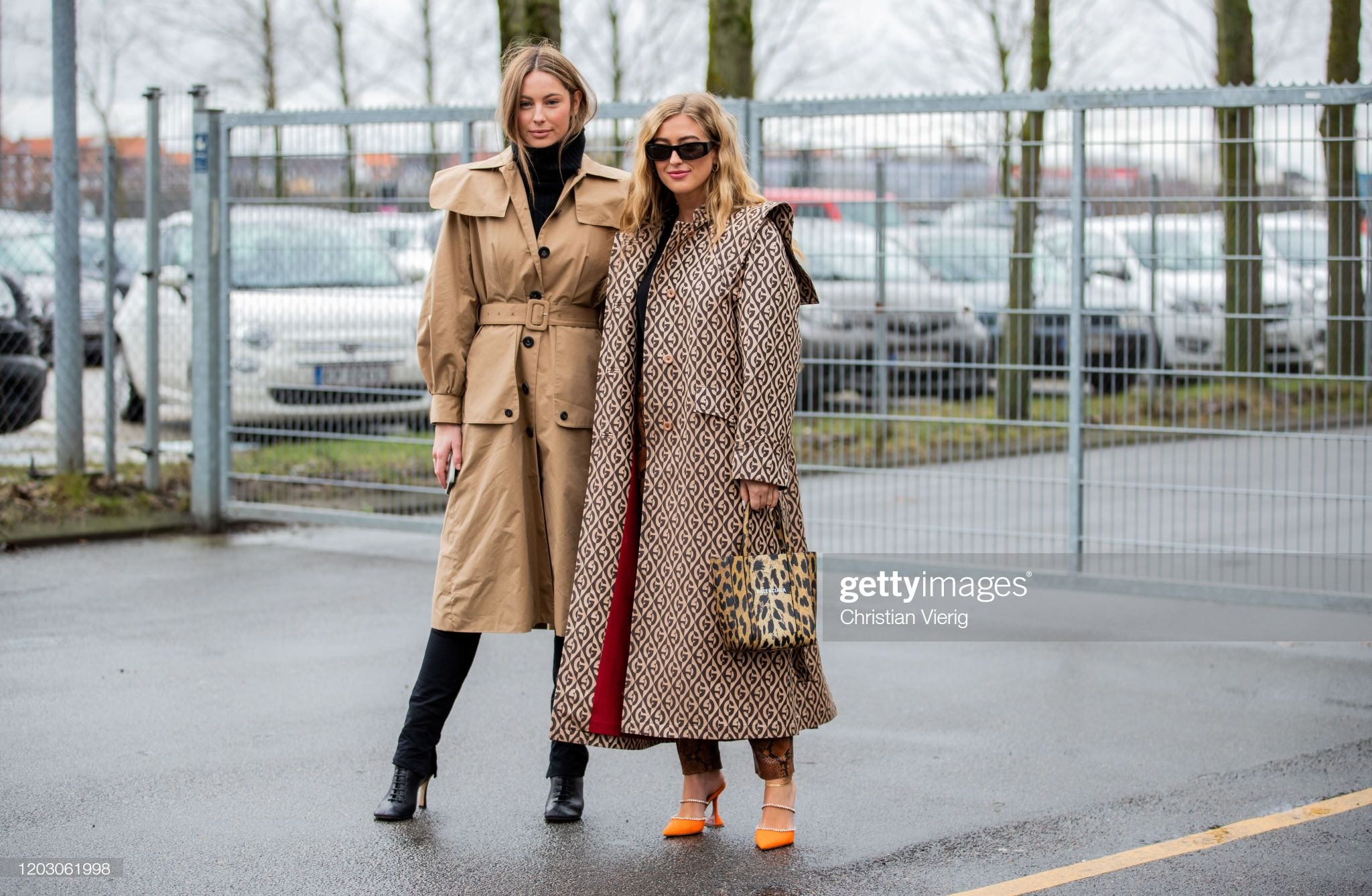 Mathilde Gohler Wearing Trench Coat With Belt And Pockets Black Trench Coat How To Wear Coat