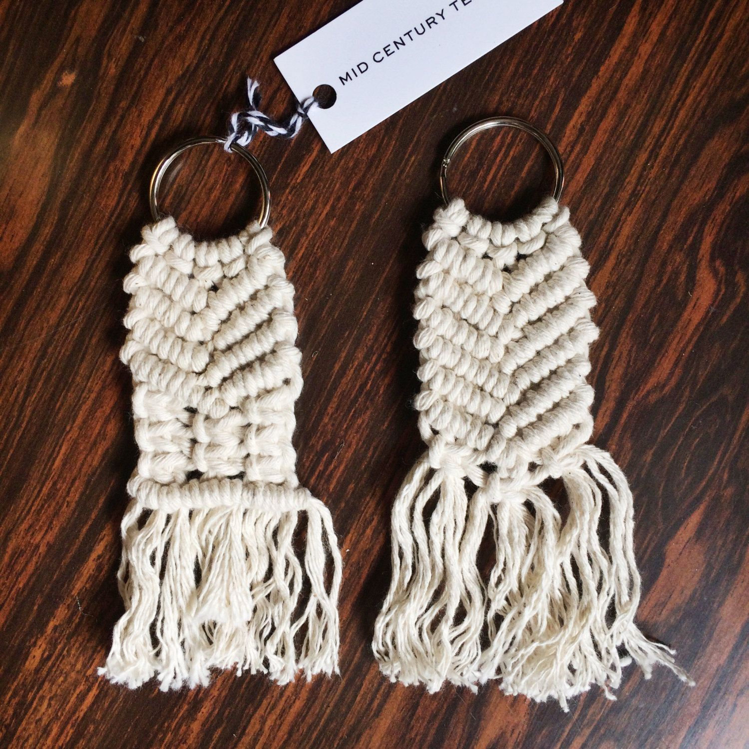 how to make a macrame keyring