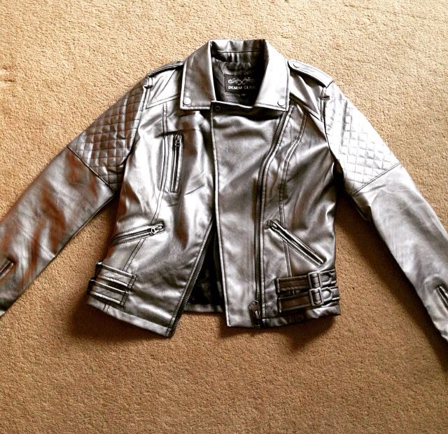 e6cf926abdc Step 1 of my (X-Men) Quicksilver cosplay  leather jacket from Amazon ~ £25  TRG silver leather spray ~£7.50 I am so pleased with this!