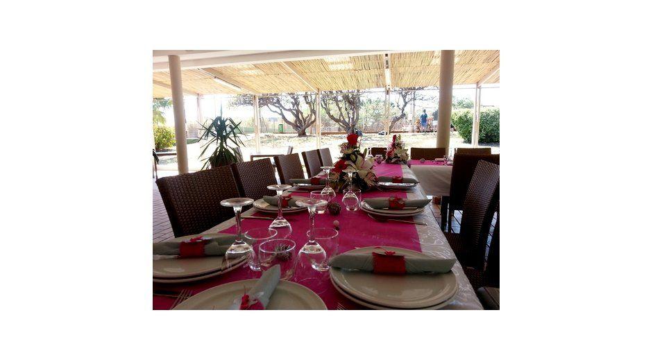 La Fourchette 5 Restaurant Salle De Reception Avec Jardin