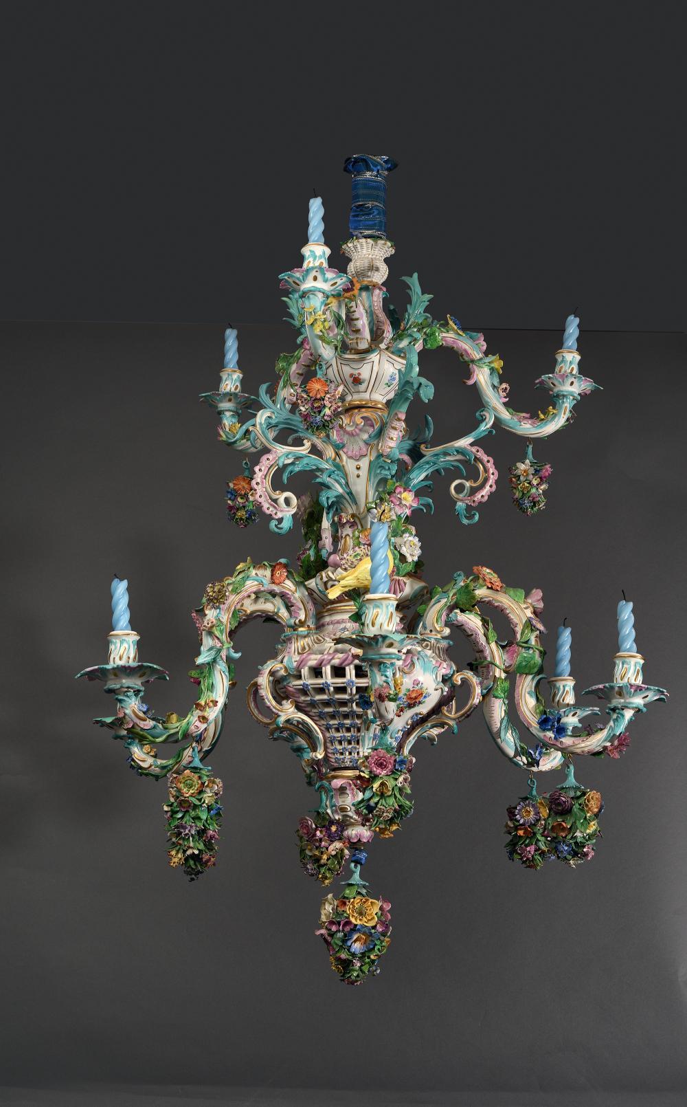 Meissen Lustre rocaille à six branches en porcelaine in