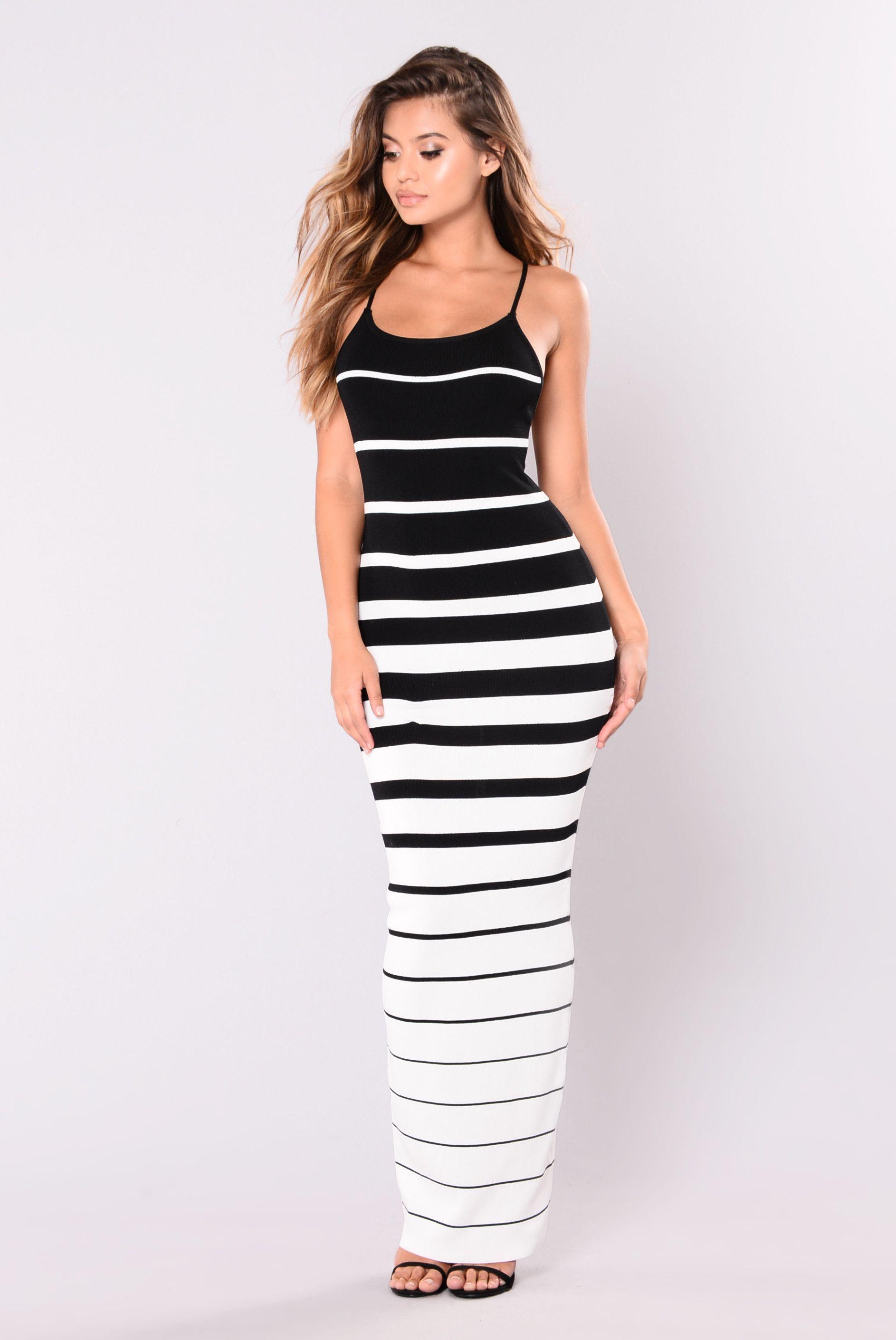 Maxi black knit dress