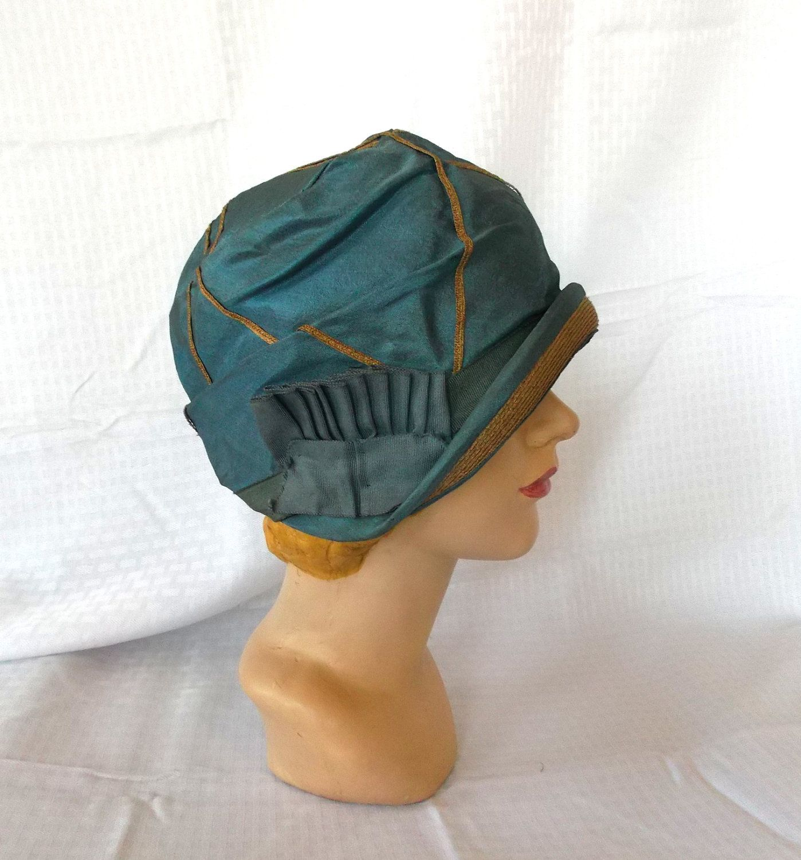 1920's Vintage Flapper Cloche Hat, Blue Taffeta with Straw...