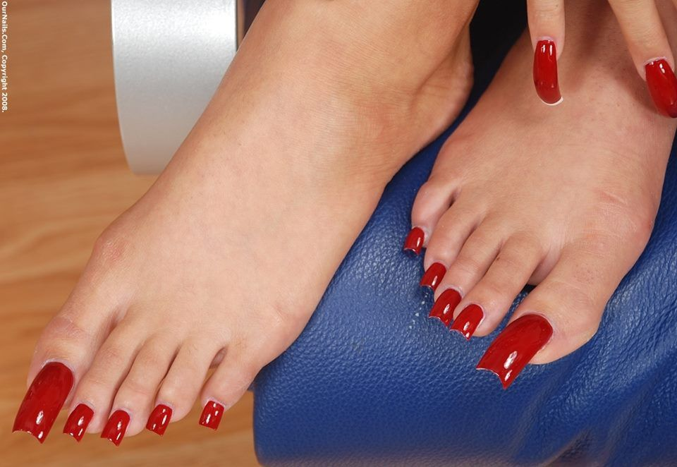 I love chicks with hot nails | feet | Pinterest | Hot nails, Red ...