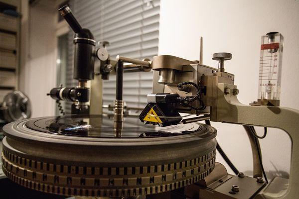 Blog Vinylgourmet Com 180 Gram Vinyl What Are The Benefits Heavyweight Vinyl Records Explained Vinyl Records Vinyl Records