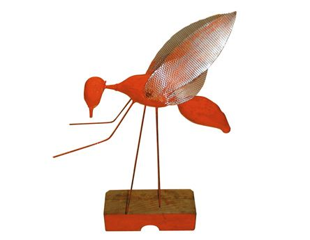 Volador pequeño rojo | 2003 | Madera y Metal | 25 x 35x 15 cm