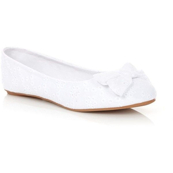 Bow pumps, Wide flat shoes