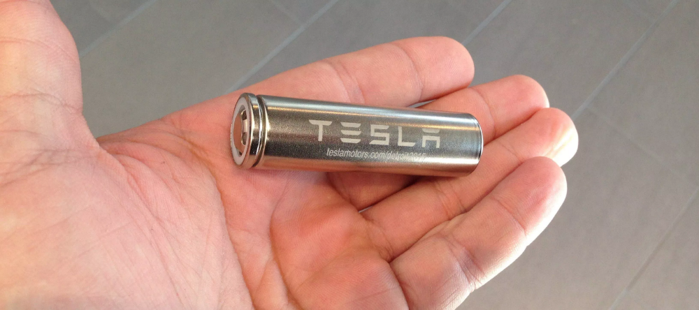 Tesla Plans Path To Massive Production Of Battery Cells Delays Unveiling To Next Year Electrek Tesla Battery Tesla Tesla Patents