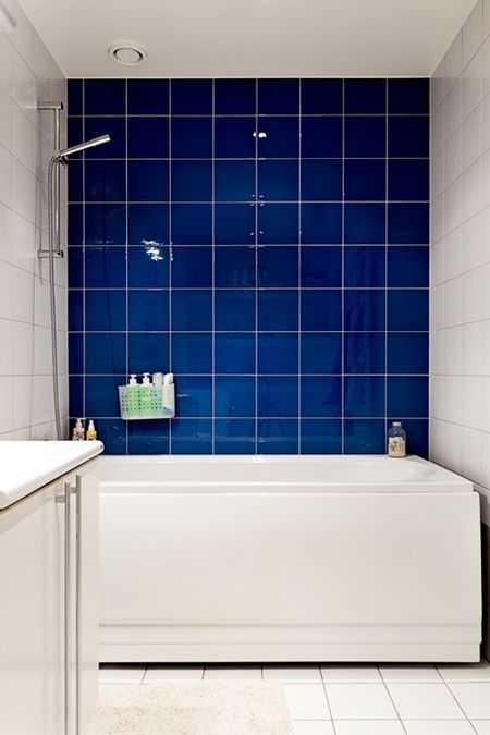 A Swedish Apartment Desire To Inspire Desiretoinspire Net Royal Blue Bathrooms Blue Bathroom Blue Bathroom Tile