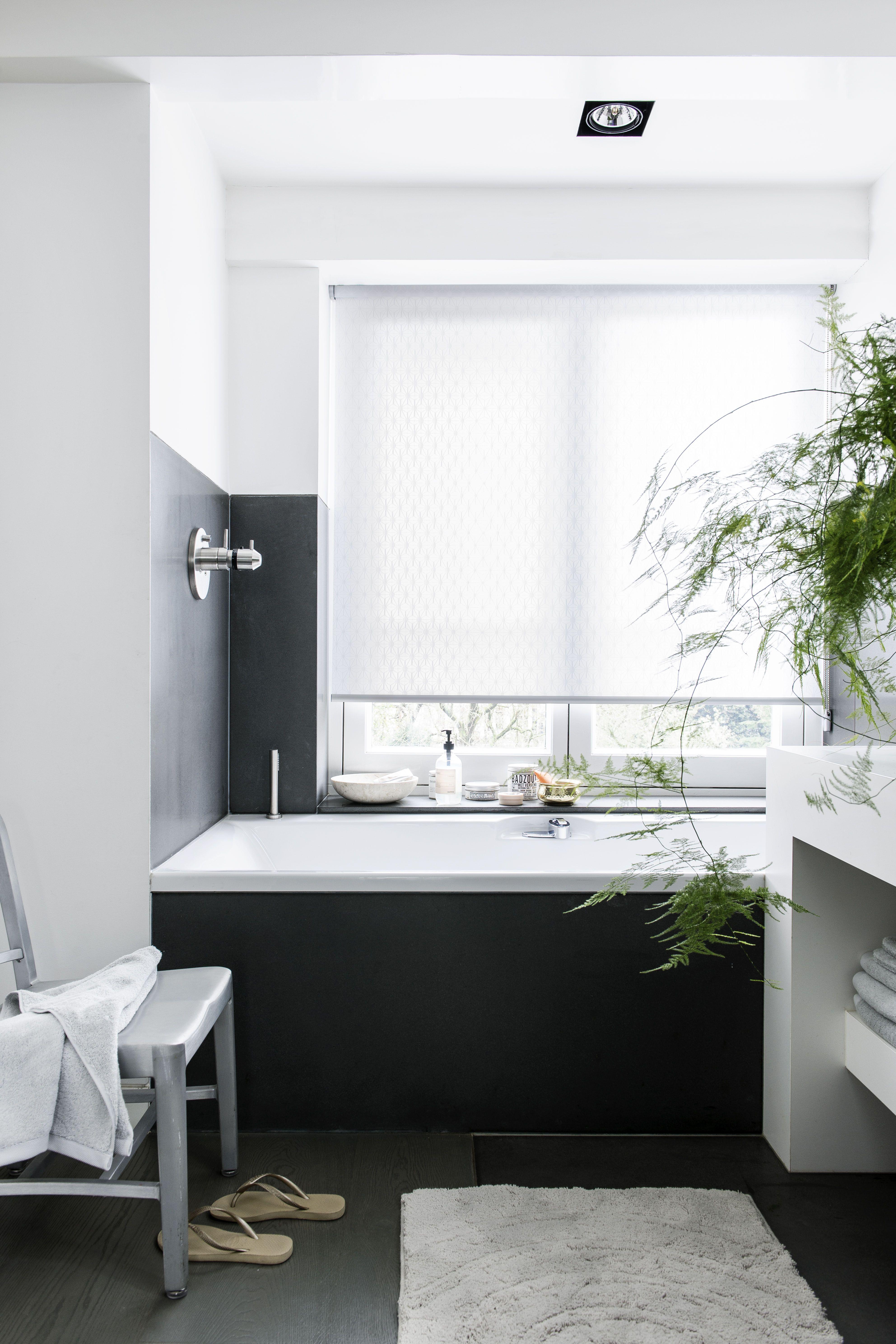 Rolgordijnen zijn ook mogelijk voor in de badkamer! Kijk voor meer ...