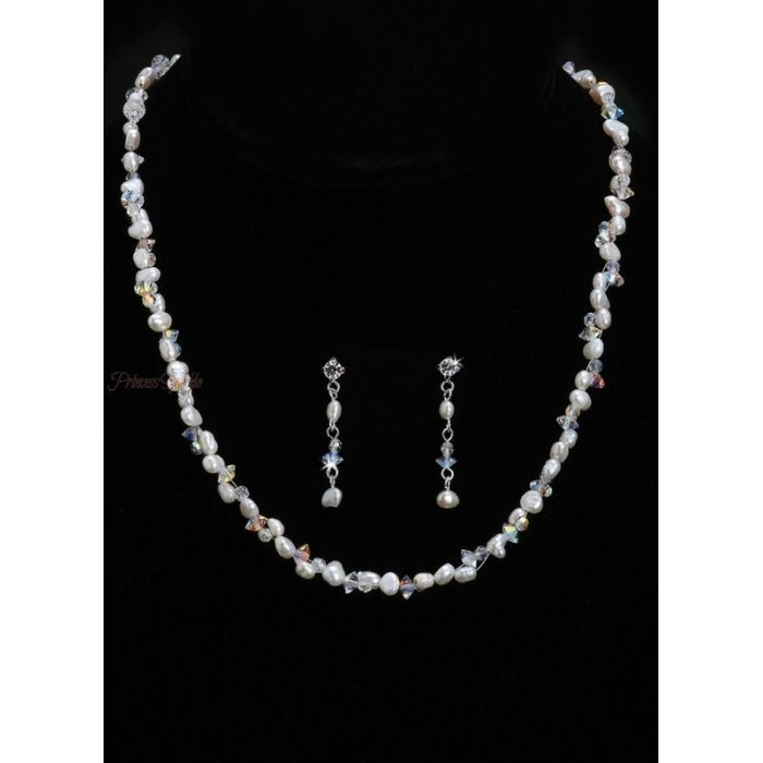 Beautiful handmade bridal necklace in Swarovski crystal & freshwater pearl (simulated http://www.princesssparkle.co.uk/necklaces-chokers/977-freshwater-pearl-crystal-bridal-jewellery-set-n838.html