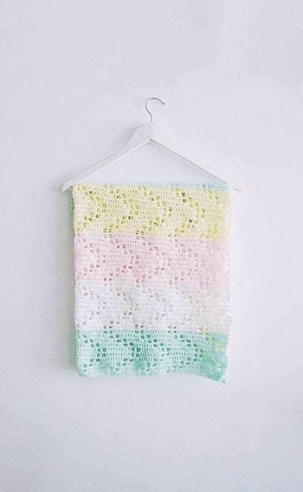 15 Adorable Crochet Baby Blanket Patterns | Manta bebé, Mantas ...
