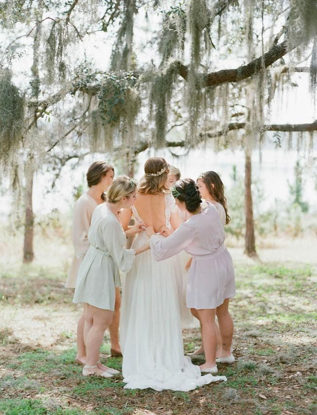 inspiration | getting ready with your girls | via: green wedding shoes