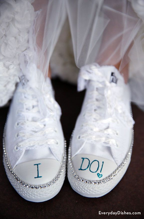 f34326fbc2ed DIY bride sneakers craft. DIY bride sneakers craft Bride Sneakers