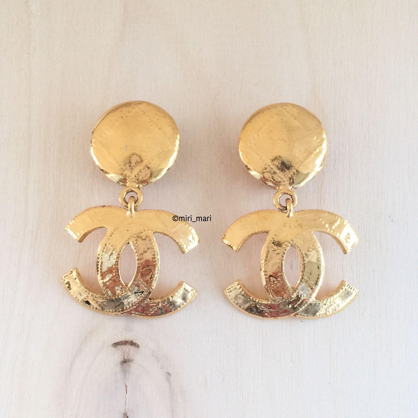 Vintage CHANEL CC Logo Drop Dangle Earrings