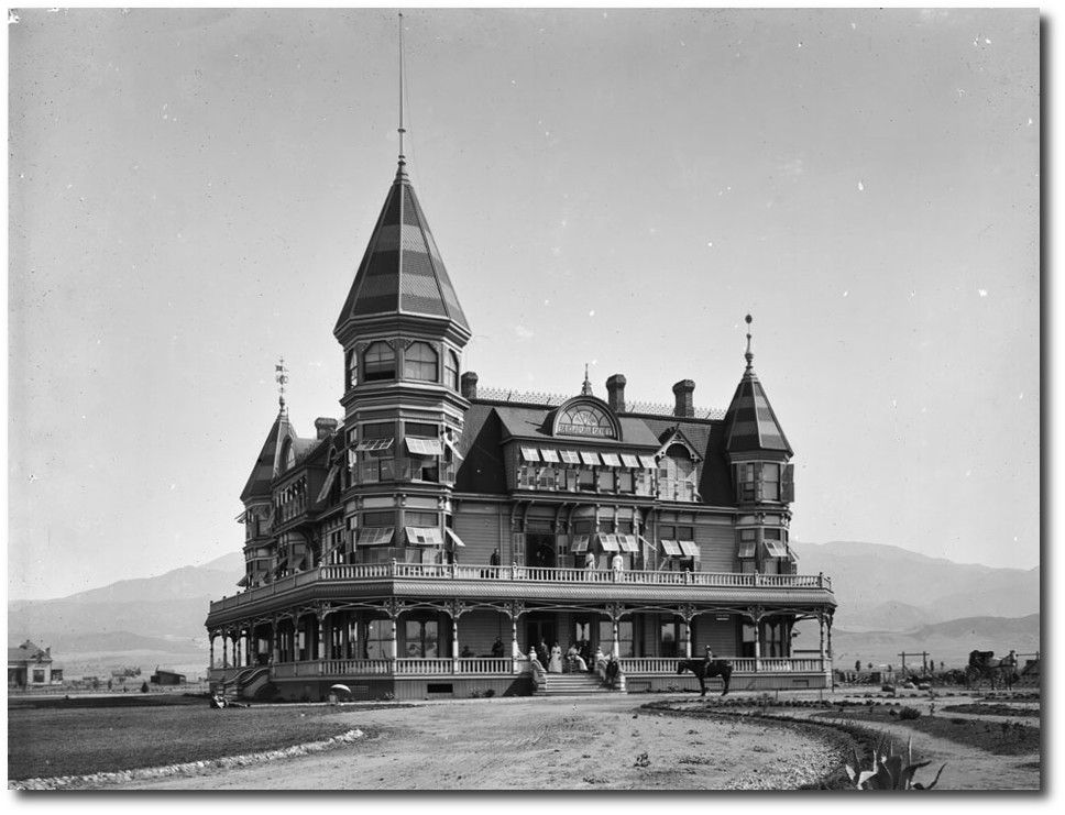 Beaumont Ca Hotel From The Late 1800 S With Images Victorian Homes Victorian Buildings Old Victorian Homes